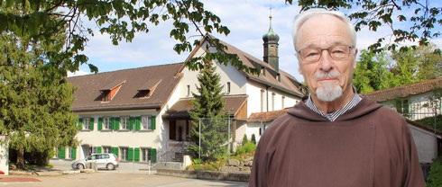 P. Hesso Hösli beim Rücktritt aus dem Rheintal als Pfarrer und Spiitual mit 85 Jahren.