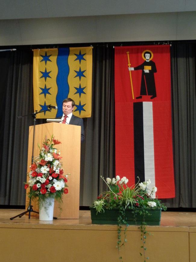 Landratspräsident Dr. Peter Rothlin überbringt die Grüsse von Land und Volk des Kantons Glarus im Kursaal in Bad Säckingen am traditionellen grossen Fridolinsfest. 8. März 2020.