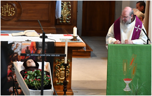 Abschiedsgottesdienst - Br. Gottfried Egger OFM - Abschiedspredigt am offenen Sarg