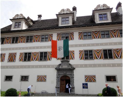 Ganz im Zeichen der Altherrenschaft der Turicia und mit der Turicerfahne geschmückt war der Freulerpalast am Samstag, 10. Juni 2017.  Hier fand im Rittersaal die Gneralversammlung statt. (Foto: M. Hauser, Zug)