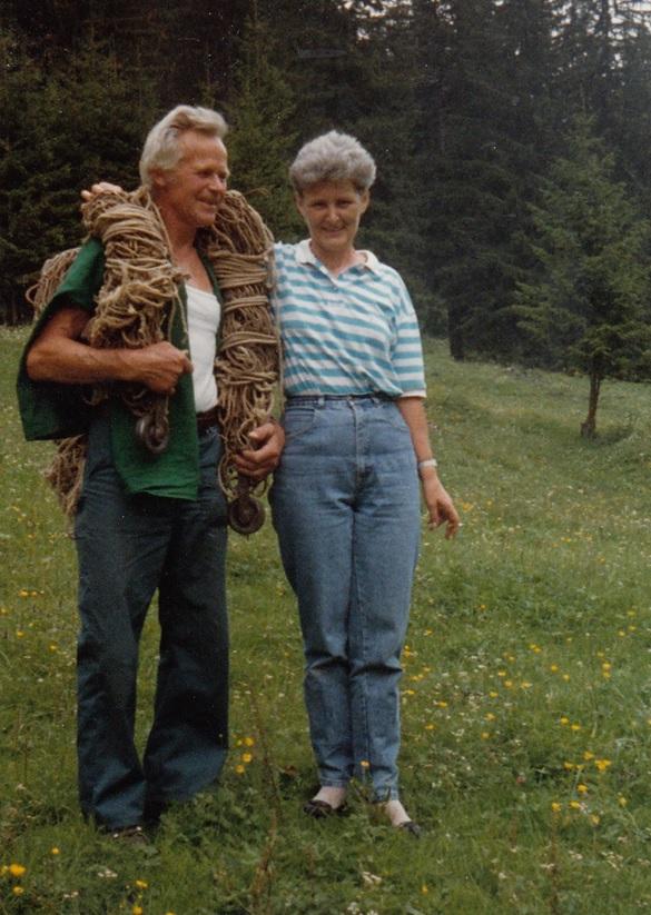 Zwei liebe Sulzbödeler Hilarius Landolt (1929-2018) und Heidi Fischli (1943-1994) auf Sulzboden im Sommer 1989.  (Foto: Hans Fischli)