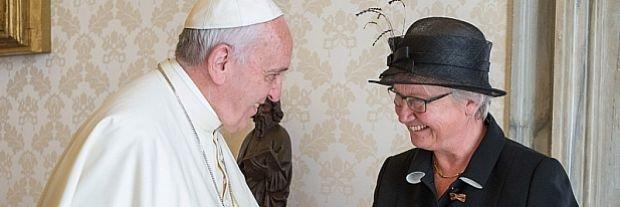 Die Deutsche Botschaftschefin am Heiligen Stuhl Annette Schawan, ehemalige Bildungsministerin in Deutschland beim Papstempfang.