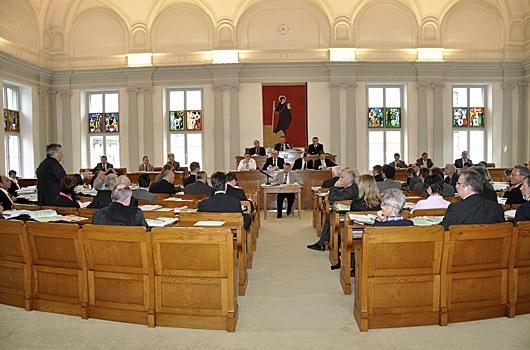 Landratssaal im Rathaus Glarus (Foto: glarus24.ch)