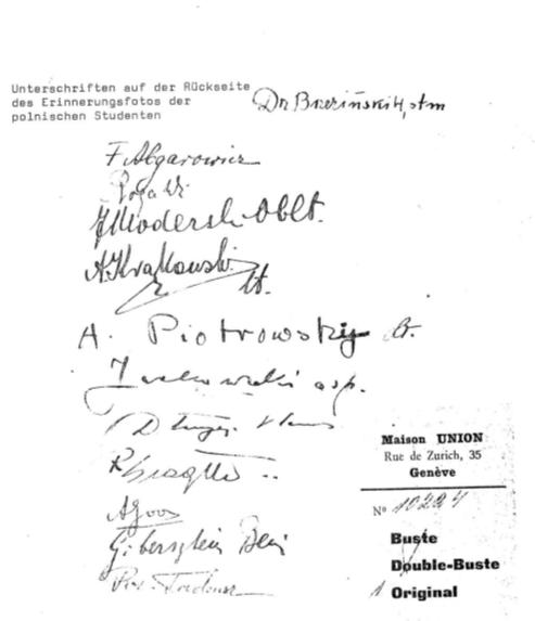 """Auf der Rückseite verewigten sich die """"Sulzboden-Polen"""" mit ihren Unterschriften."""