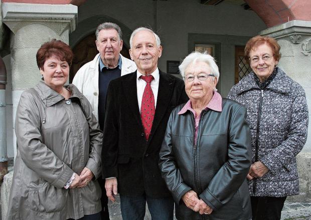 Sie leiten den Glarnerverein Wil und Umgebung: Elisabeth Noser, Herbert Rhyner, Balz Tschudi (Präsident), Regina Faoro und Elfriede Schneebeli. (Foto: Ursula Ammann)