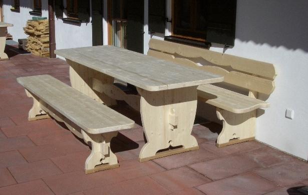 Sitzgarnitur aus  Fichtenholz