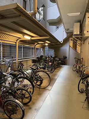 ビル内自転車置き場