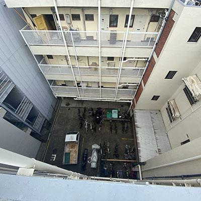 屋上から見た自転車置き場