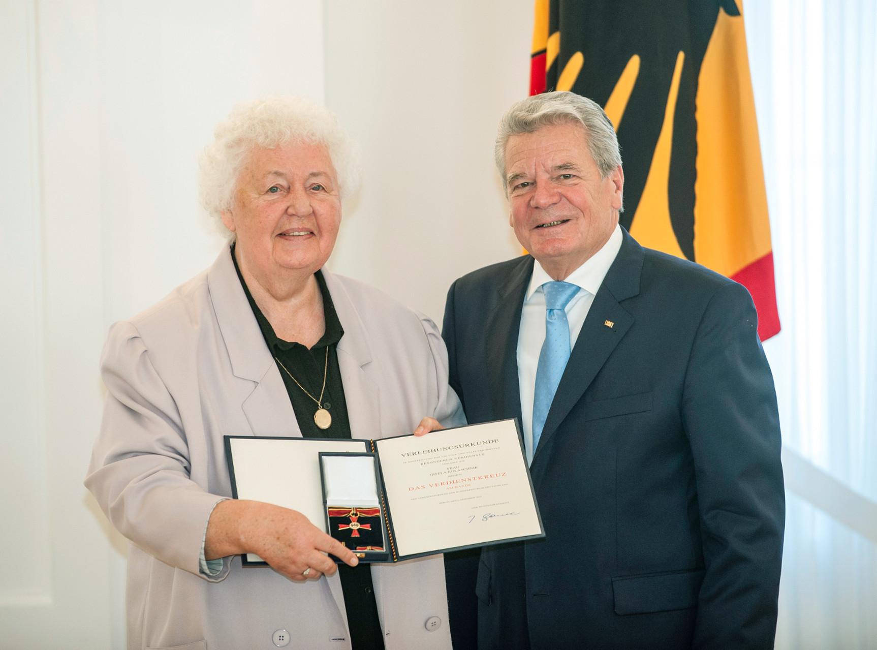 Verleihung Bundesverdienstkreuz an Gisela