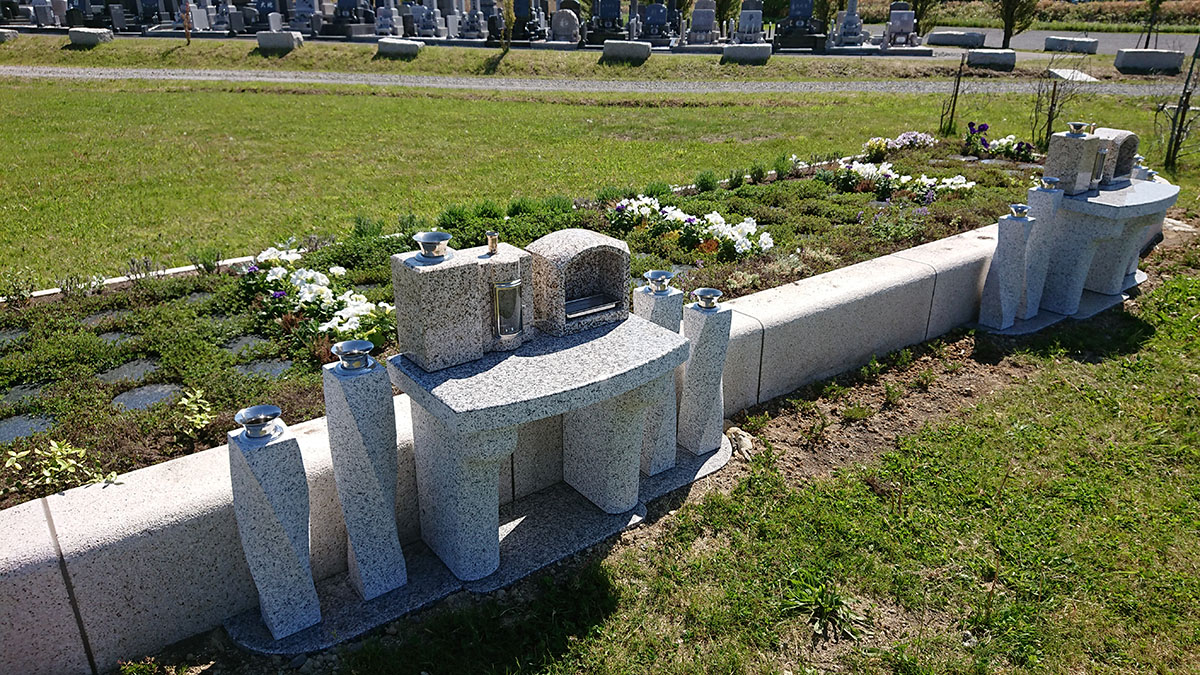 札幌や石狩でお墓を探す方に メリット・デメリットは?お墓じまいの進め方