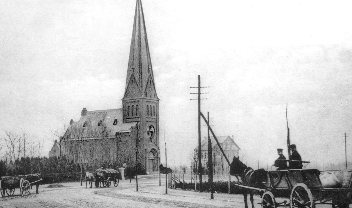 Damals- mit Pferd und Wagen auf dem Erdkampsweg zur Kirche