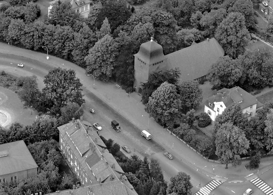Luftaufnahme von St. Lukas in den 60er Jahren