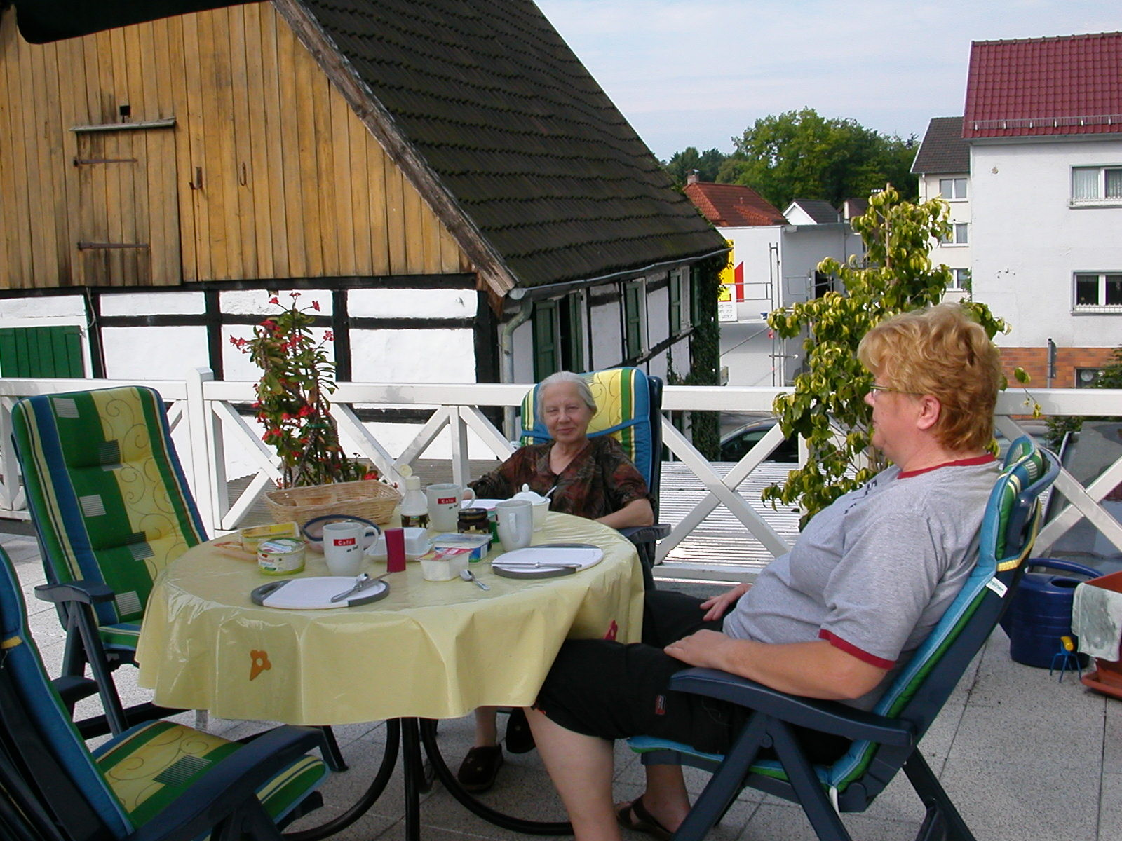 Auf unserer Terrasse, da wohnten wir noch in Iserlohn