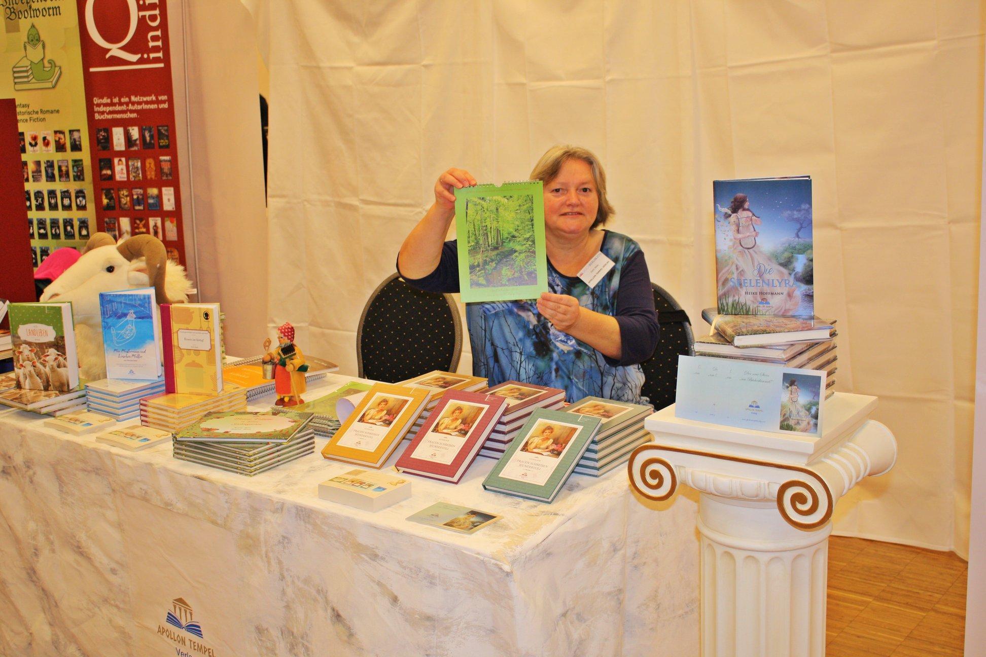Buchmesse BuchBerlin 2018, Apollon Tempel Verlag, Verlegerin Karin Biela