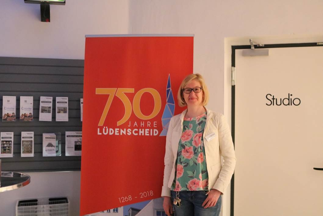 Offene Lesebühne für Hobbyautoren in der Stadtbücherei Lüdenscheid, Büchereileiterin Dagmar Plümer. Foto: Sarah Lorencic