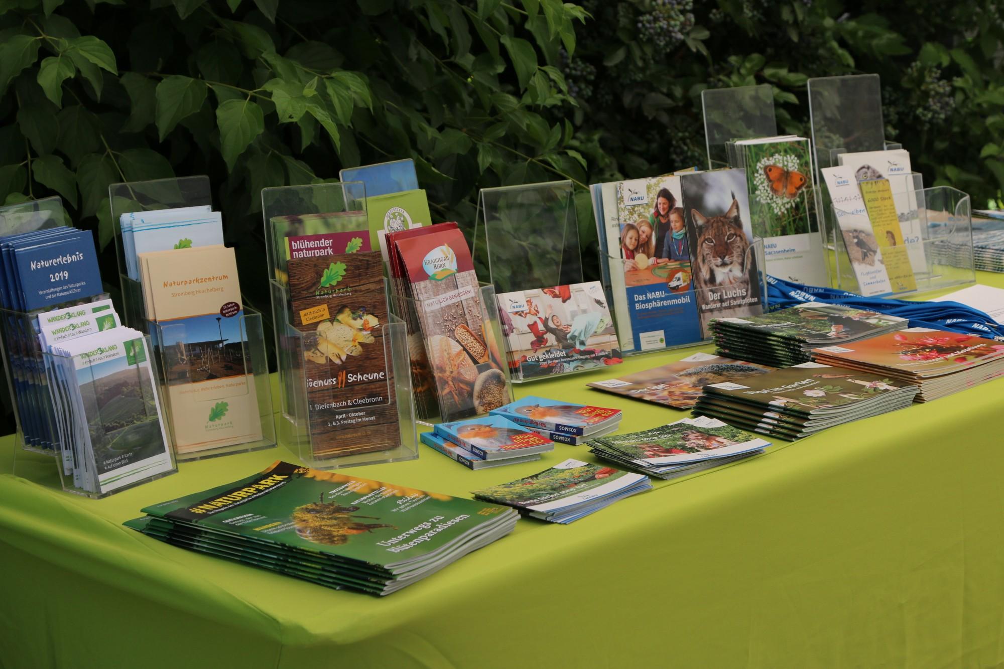 Für die Gäste gabe es viele Broschüren vom NABU und auch vom Naturpark Stromberg-Heuchelberg