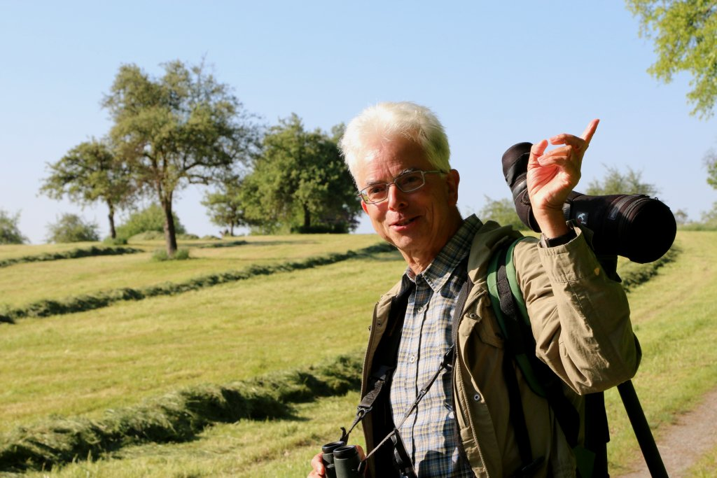 Christoph Kaup führte die Naturbeobachter durch die schöne Landschaft