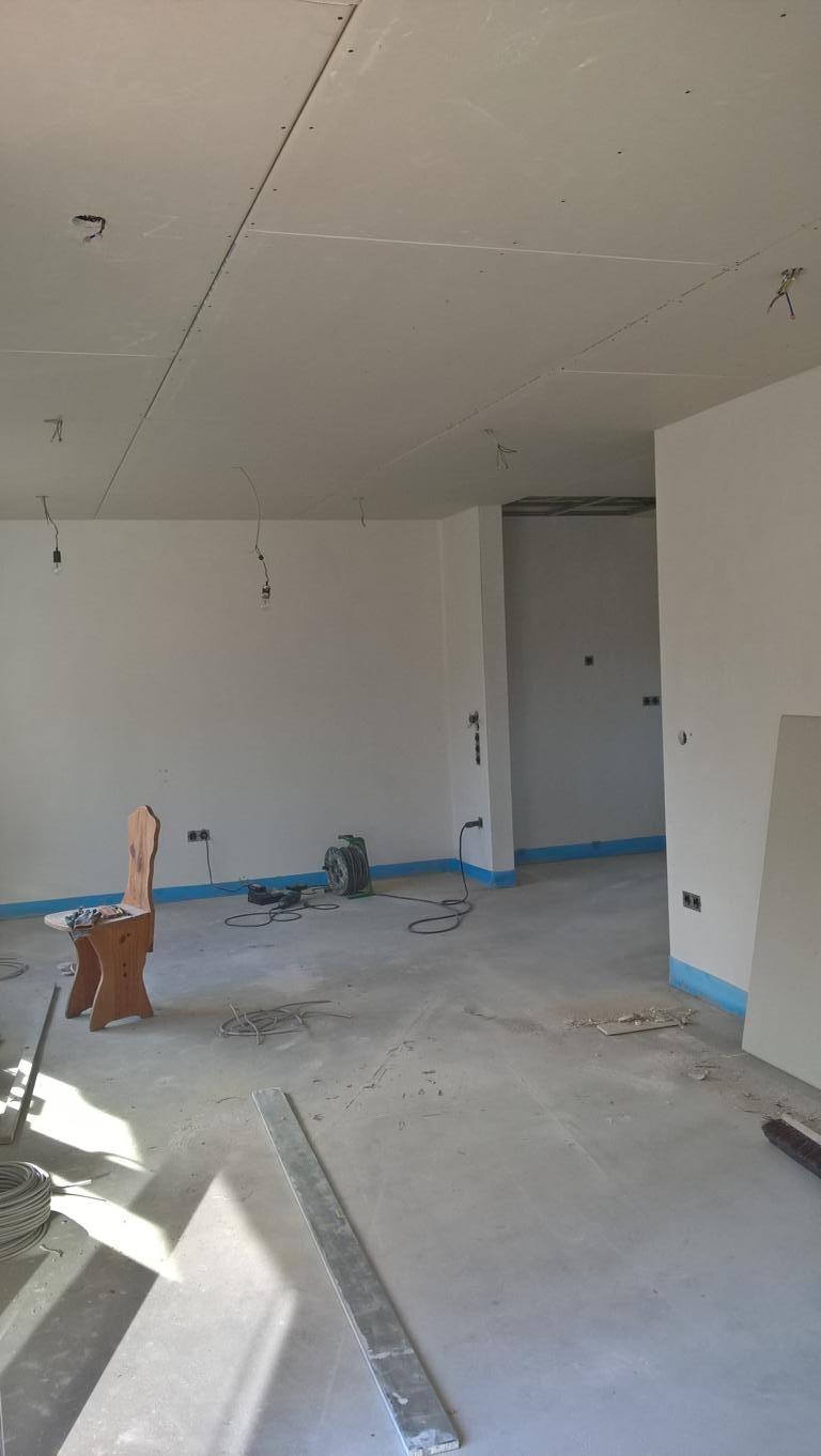 Fast fertiges Esszimmer/Küche