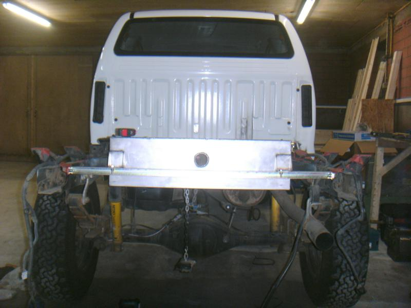 Hilux Cab Dupla besides HD Peugeot Modele 3008 2009 Vue Interieur Img Peugeot 3008 2009 504 furthermore Toyota hilux aluminium canopy also Leaf springs additionally Toyota 20Hilux. on toyota hilux
