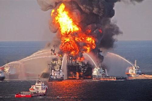 instalación de pararrayos Franklin en plantas petrolíferas