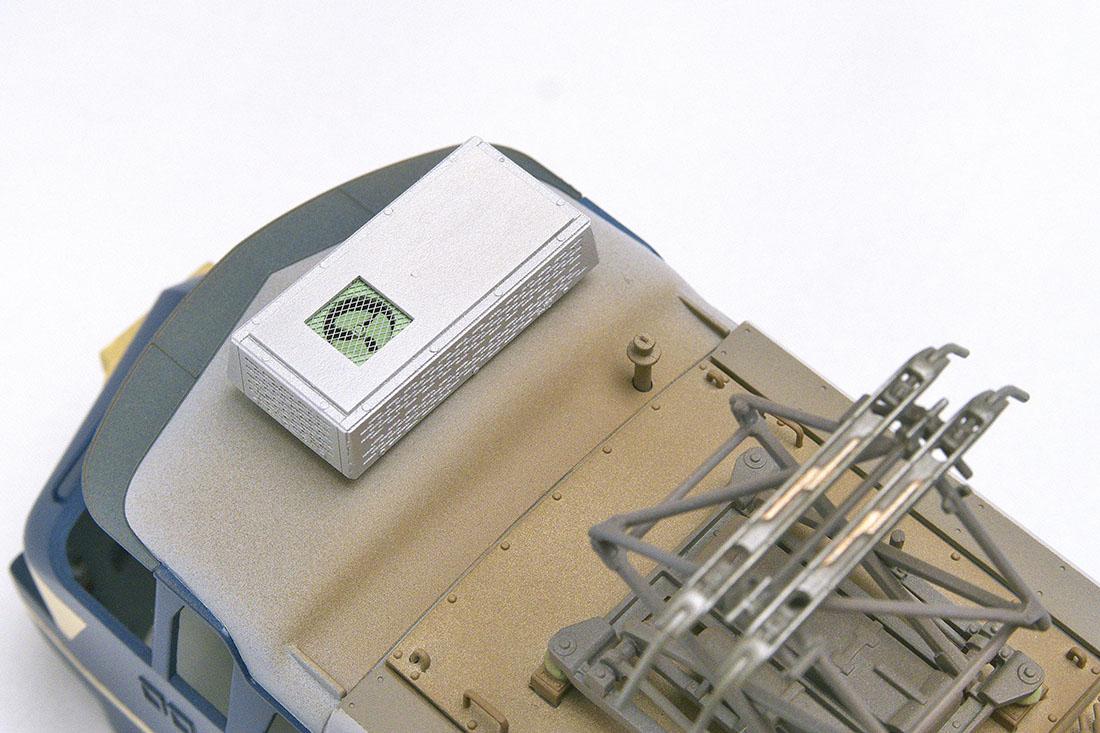 OJ EF66 クーラー ファンも再現、網はメタルメッシュですが他はすべて紙製です