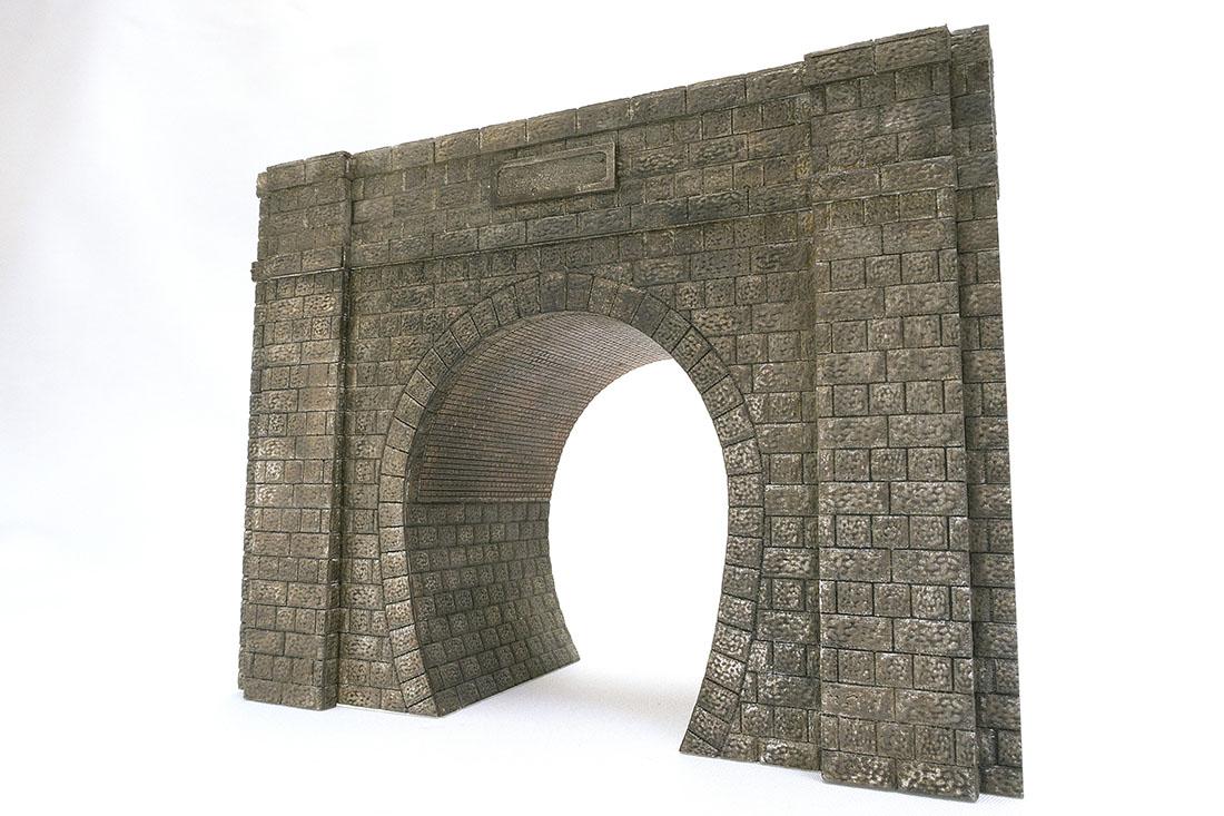 石積みトンネルポータルです。レイアウトに合わせてアーチ高を変更します。