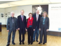Karl Schultheis, MdL (vierter von links) und André Busshuven (zweiter von links)