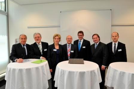 Von links nach rechts: Klein, Körfges, Schneckenburger, Lawrenz (Moderator), Brockes, Lienenkämper, Busshuven (VFB NW-Geschäftsführer)