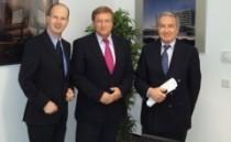 Von links nach rechts: André Busshuven, Geschäftsführer des VFB NW, Harry K. Voigtsberger, NRW-Wirtschaftsminister, und Hanspeter Klein, Vorsitzender des VFB NW