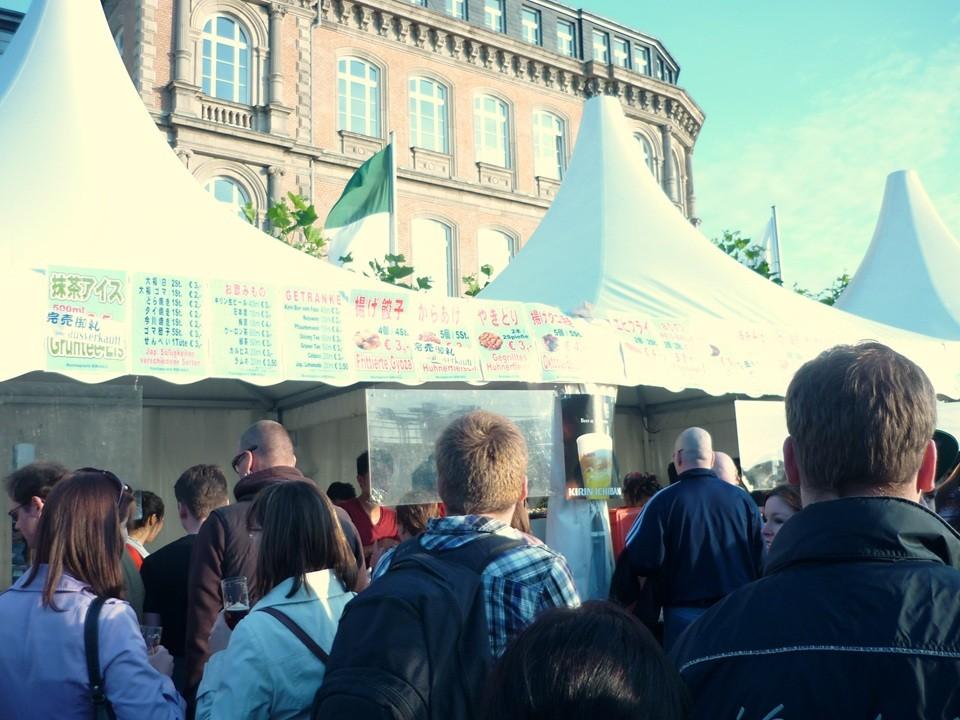 Unser Verkaufsstand auf dem Burg-Platz 2012