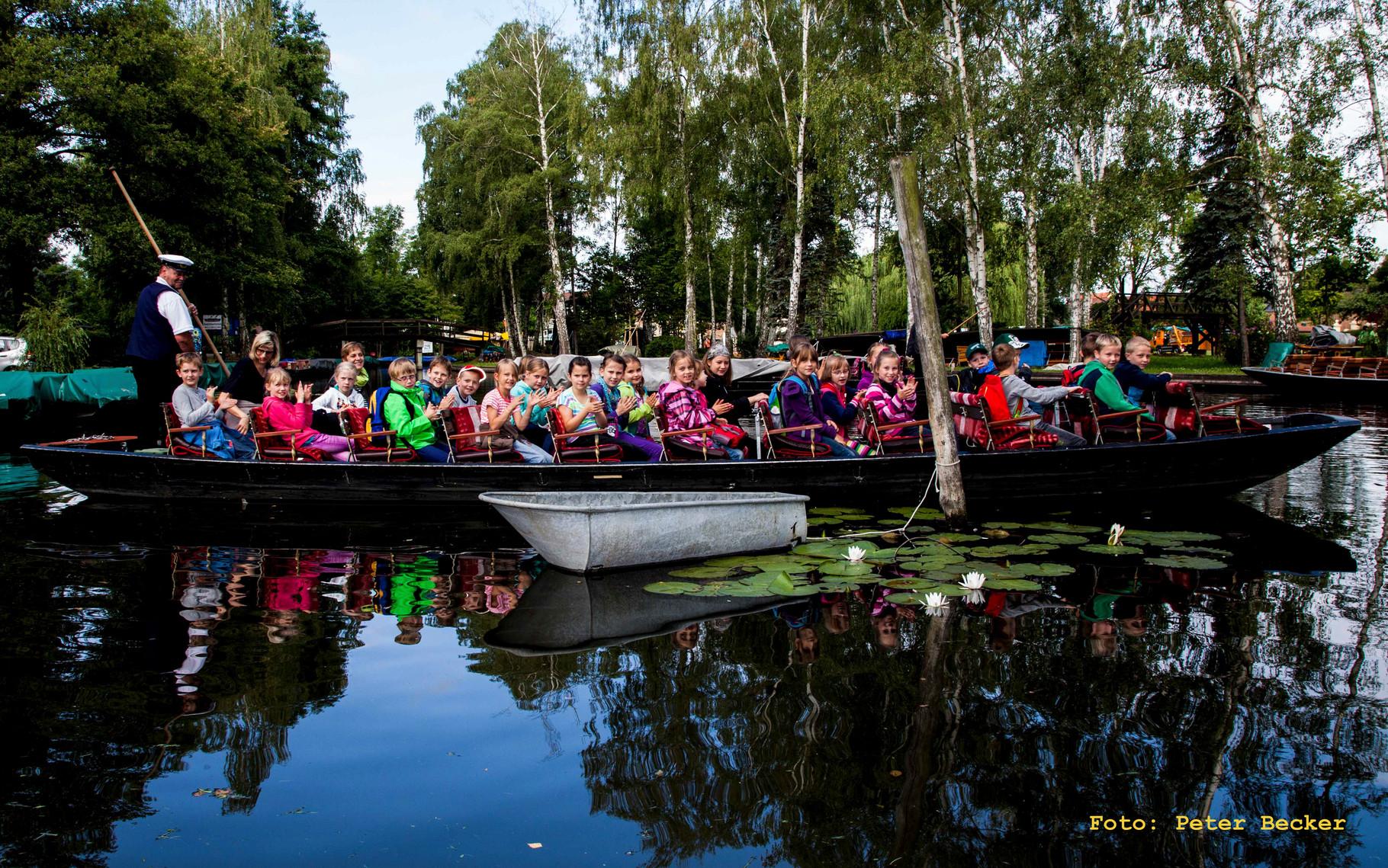 Piraten im Spreewald - Zuschauer auf dem Kahn