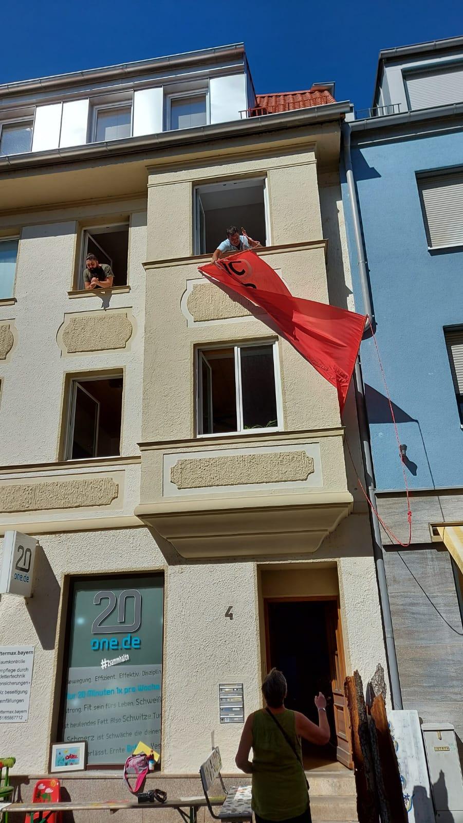 Unsere  Vereinsfahne kam auch einmal wieder an die frische Luft.