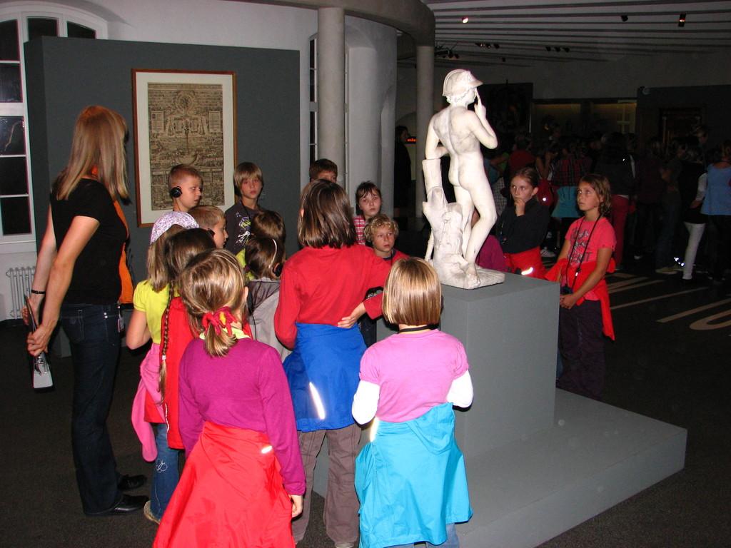 Die Statue des Merkur.