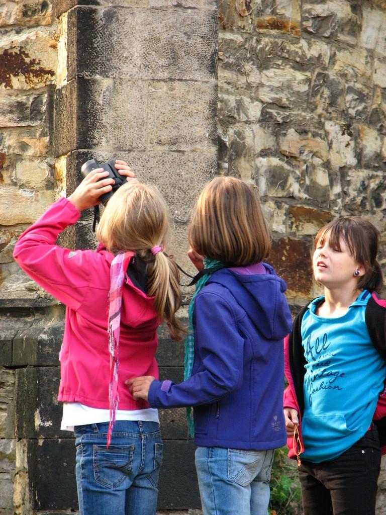 Junge Naturschützer und Beobachter