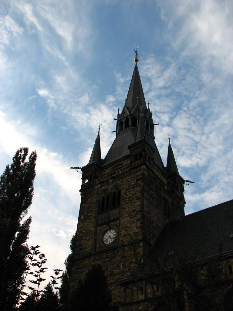 Der Kirchturm von Briesnitz