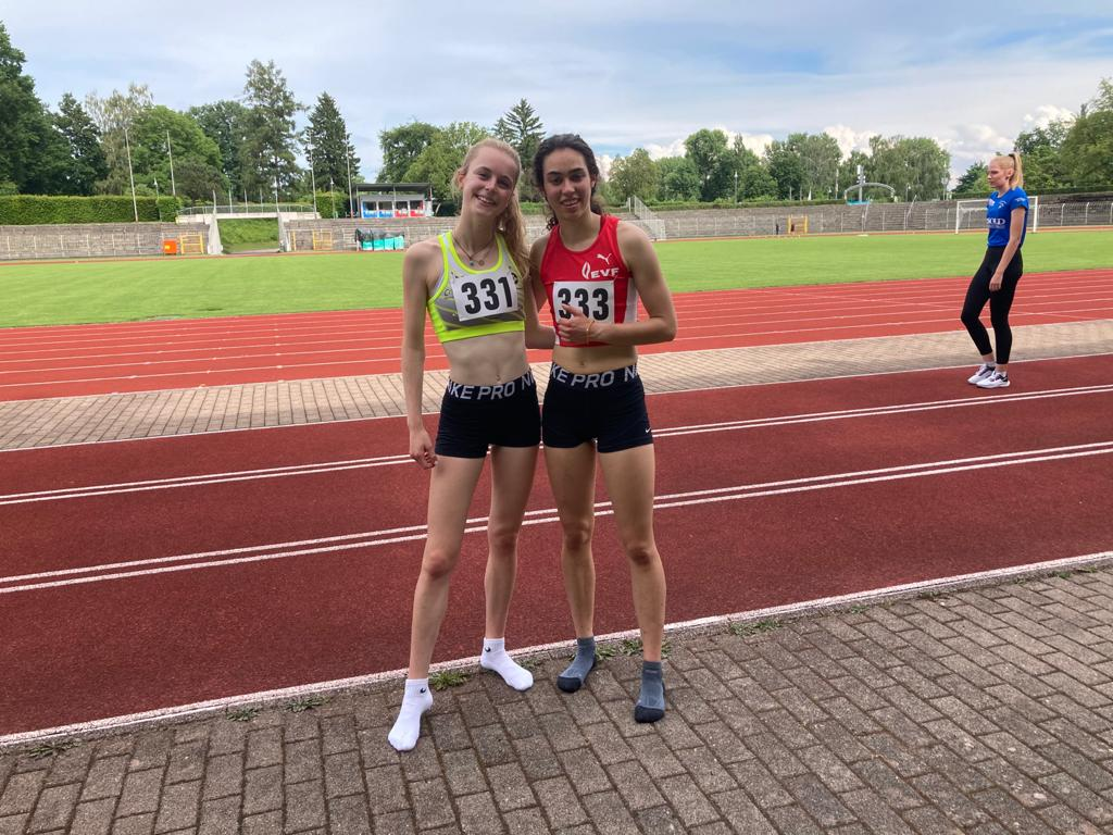 800m - Lilli und Henrike - Foto: privat