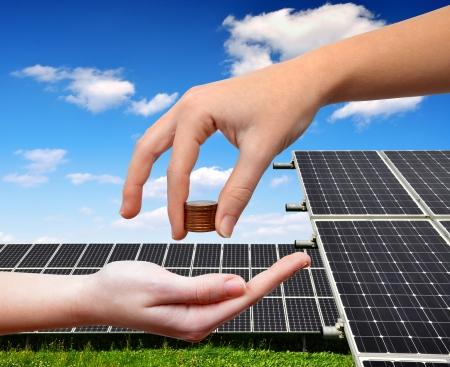 Symbolbild Photovoltaik und Steuerabgaben © Clipdealer