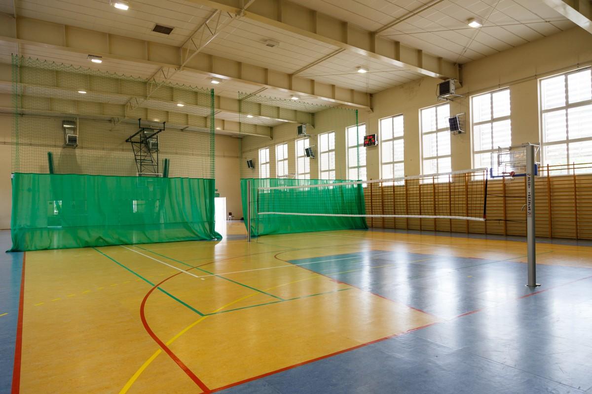 Sporthalle Marcinkowice Polen 2016 - Volleyballpfosten PROFI, Netze