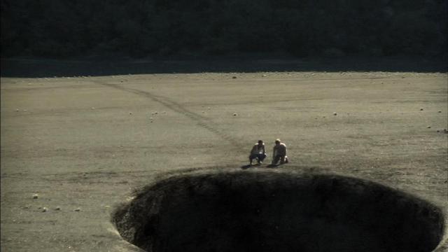 L'Île - Les Naufragés de la Terre Perdue (2011)