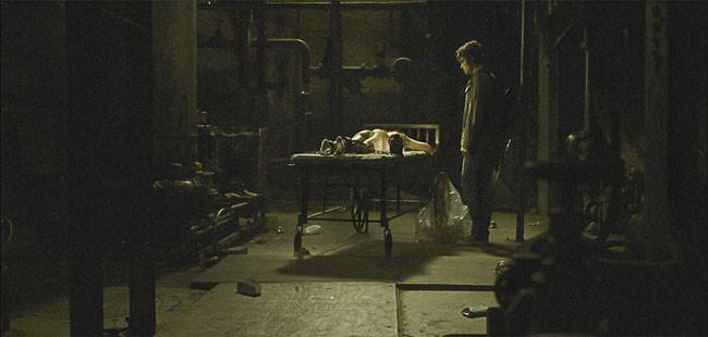 Deadgirl de Marcel Sarmiento & Gadi Harel - 2008 / Horreur