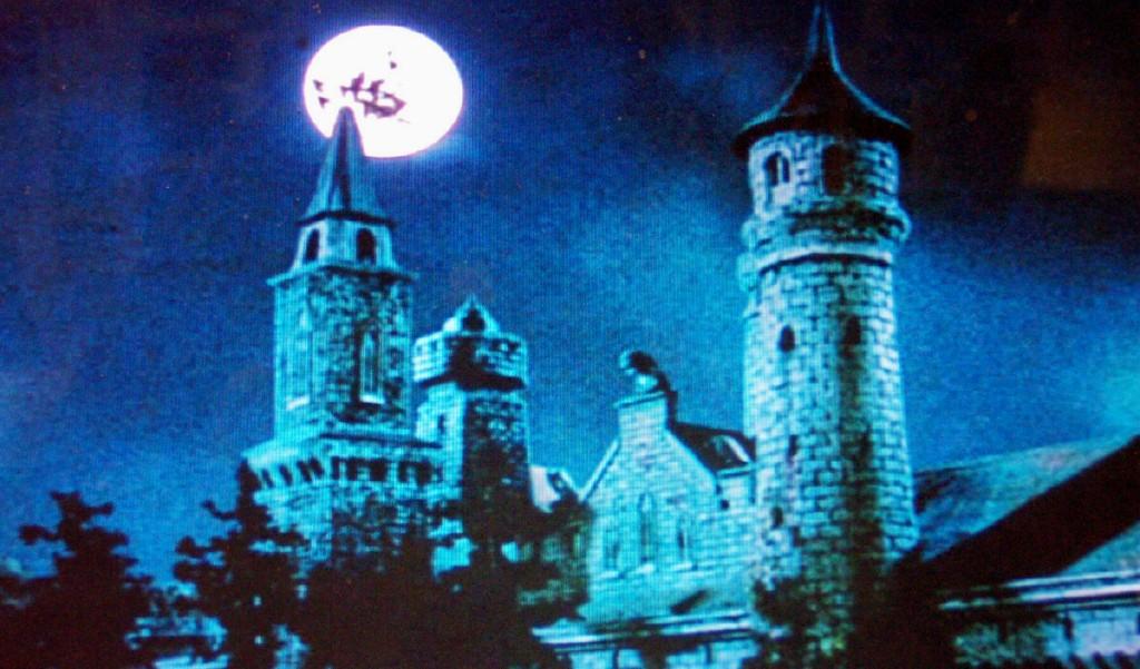 Elvira Et Le Château Hanté (2001)
