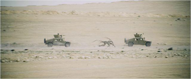 Monsters - Dark Continent  de Tom Green - 2014 / Science-Fiction