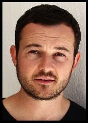 Daniel Henshall (Rôle : Robbie)
