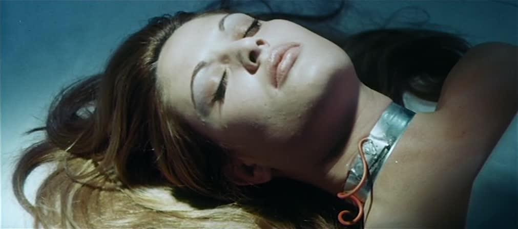 Dracula Prisonnier de Frankenstein (1972)