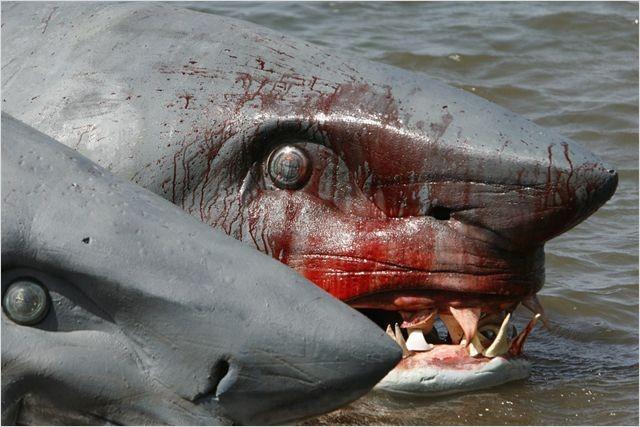 Sharks - L'Attaque Du Requin à Deux Têtes (2012)
