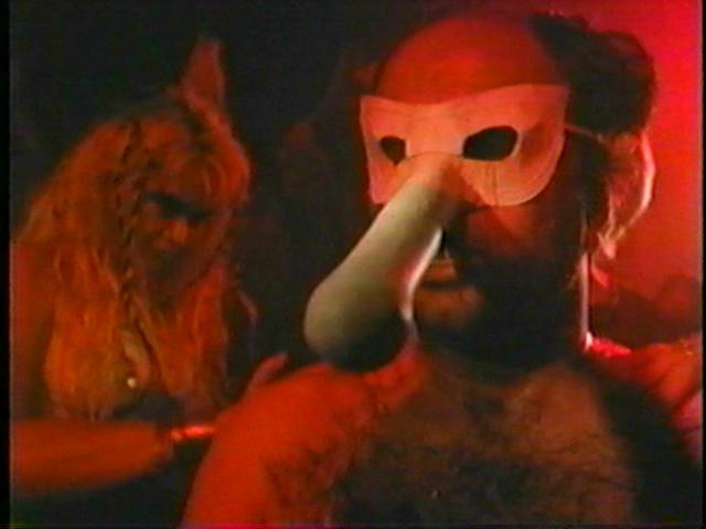 Douce Nuit, Sanglante Nuit 4 - L'initiation (1990)