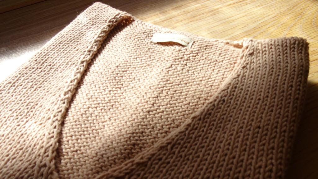 Cotton handknitted garment