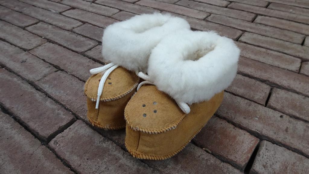 Sheepskin baby booties ♥