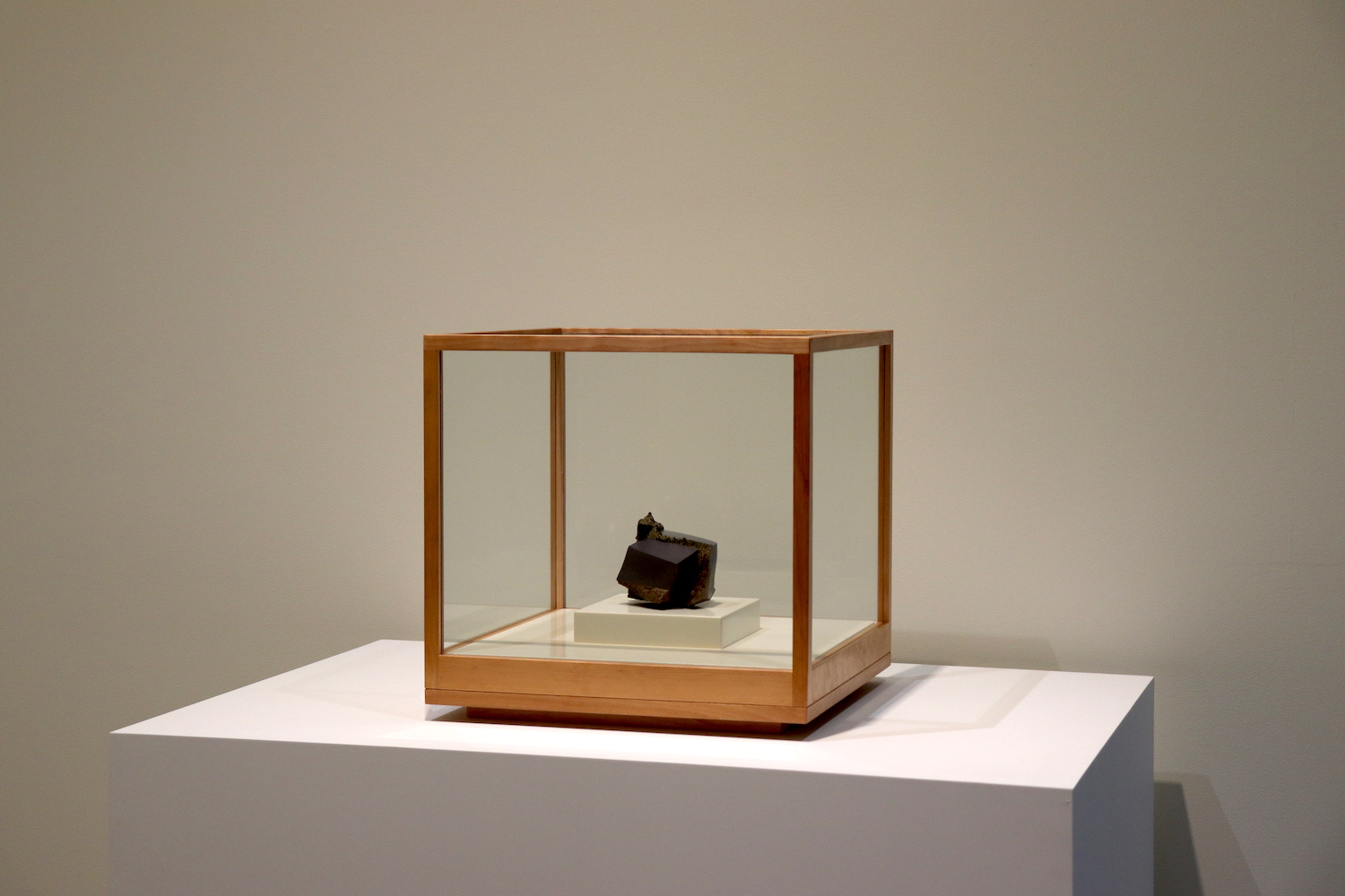 Kenneth Price, Edo, 1983, earthenware with hand-painted glaze in wooden display box, 13 x 10.8 x 11.3 cm