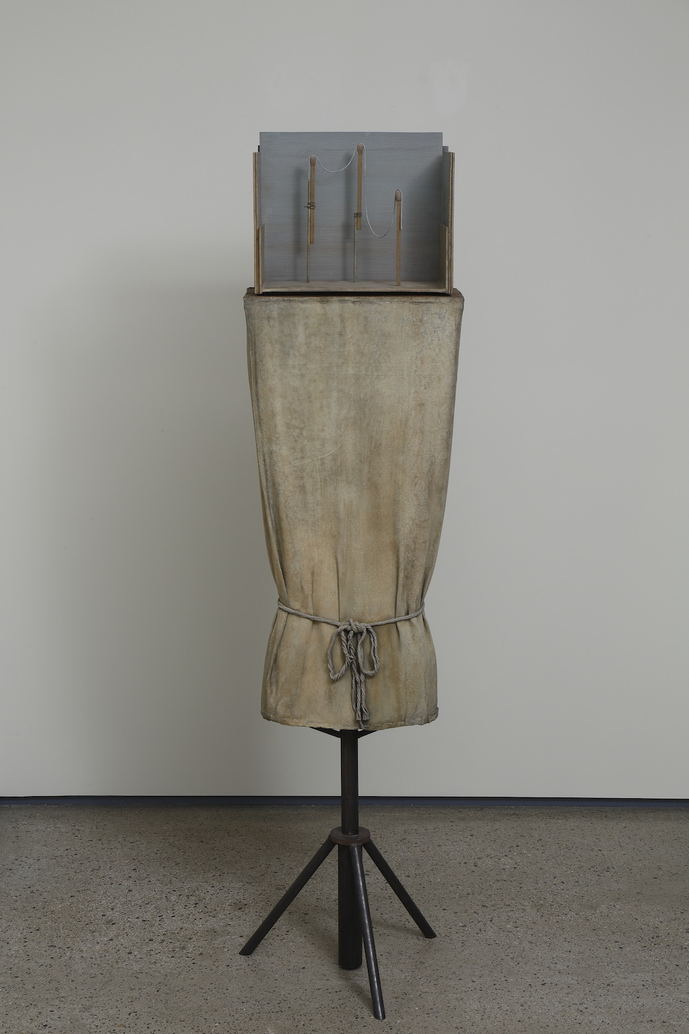 Mark Manders, Figure Study, 1997-2015, patinated and painted bronze 163.8 x 43.2 x 43.2 cm